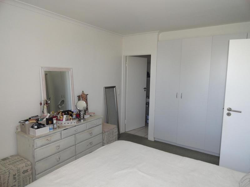 Property For Rent in Vredehoek, Cape Town 14
