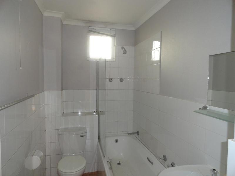 Property For Rent in Vredehoek, Cape Town 4