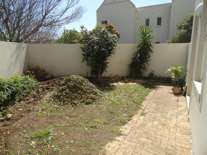 Property For Rent in Vredehoek, Cape Town 11