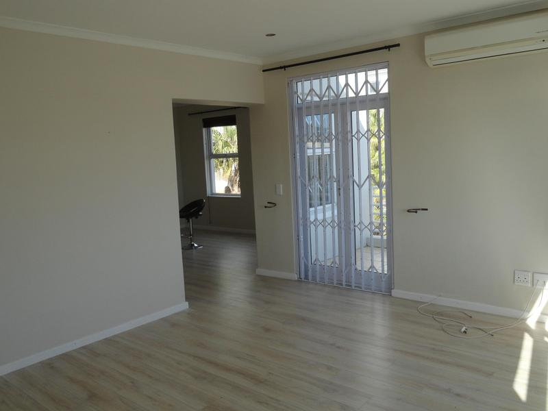 Property For Rent in Vredehoek, Cape Town 17