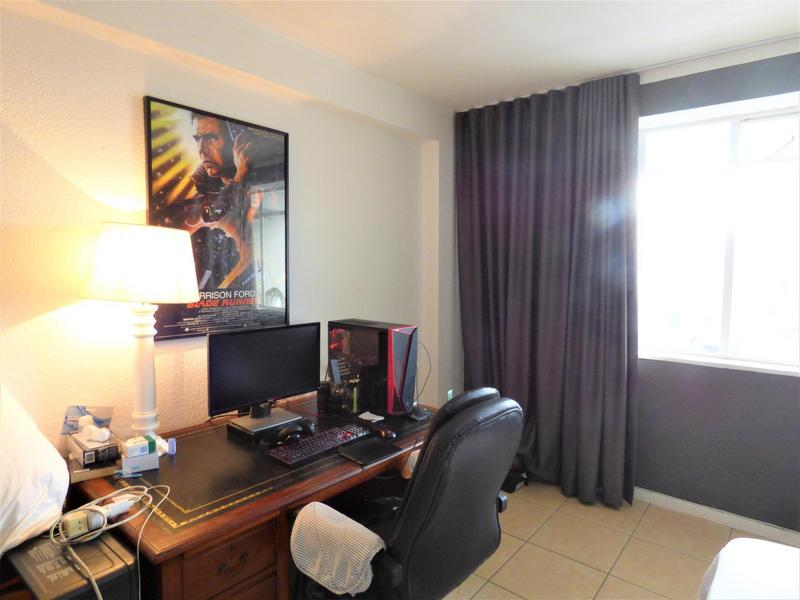 Property For Rent in Green Point, Cape Town 8