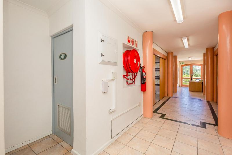 Property For Rent in Gardens, Cape Town 11