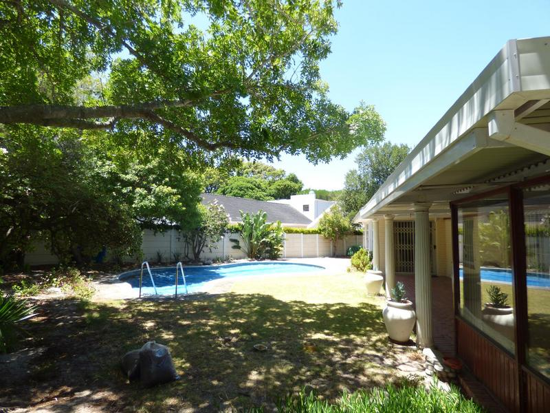 Property For Sale in Constantia, Cape Town 21