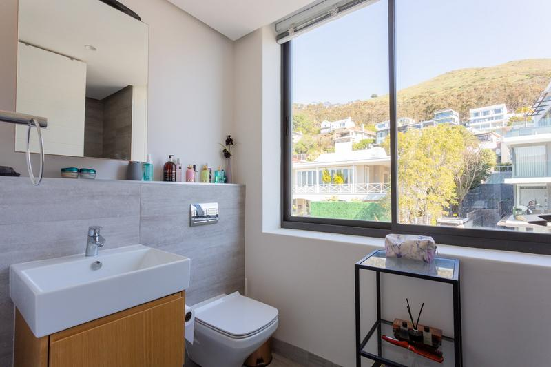 Property For Sale in Green Point Upper, Cape Town 14