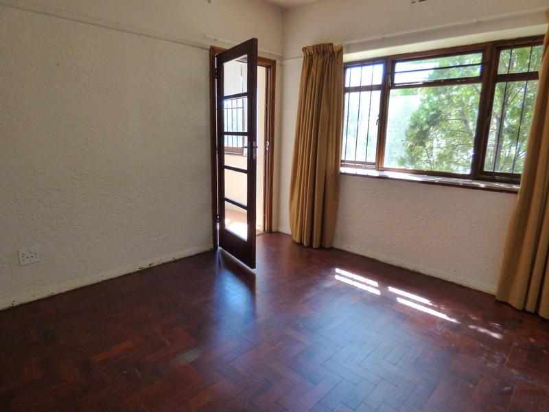 Property For Rent in Oranjezicht, Cape Town 5