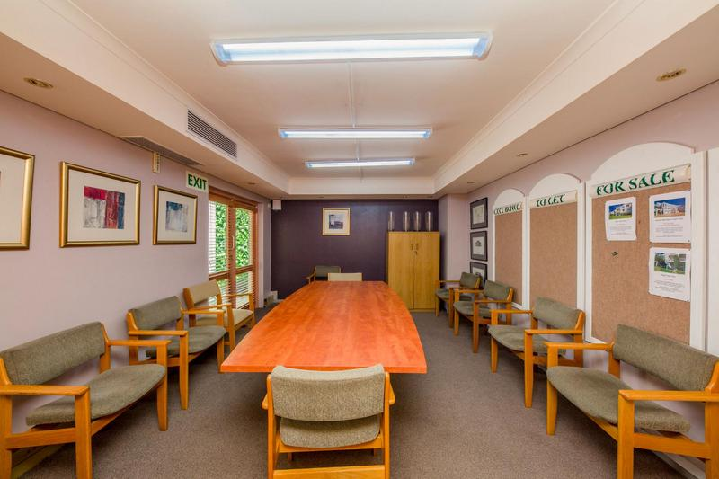 Property For Rent in Gardens, Cape Town 9