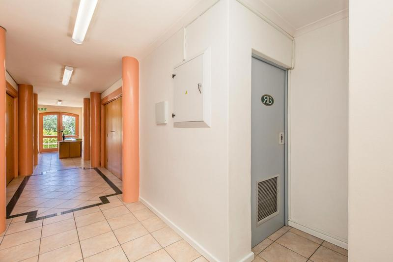 Property For Rent in Gardens, Cape Town 8