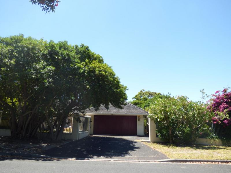 Property For Sale in Constantia, Cape Town 14