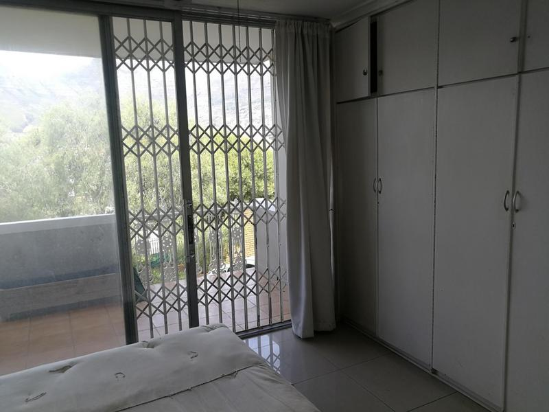 Property For Rent in Tamboerskloof, Cape Town 10