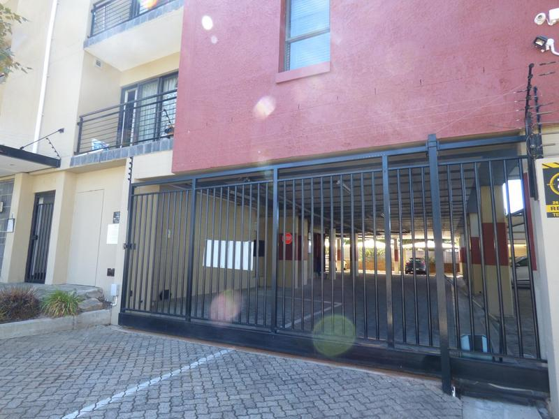 Property For Sale in Wynberg, Cape Town 16
