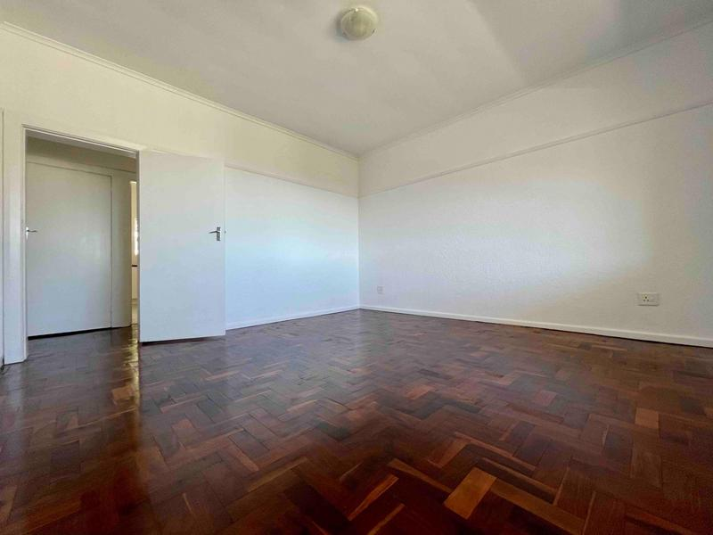 Property For Rent in Sea Point, Cape Town 8
