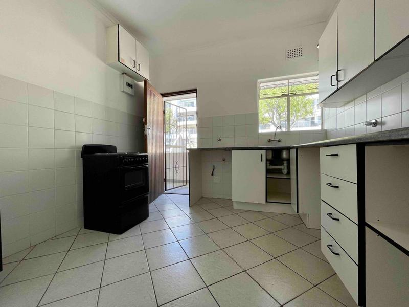Property For Rent in Sea Point, Cape Town 18