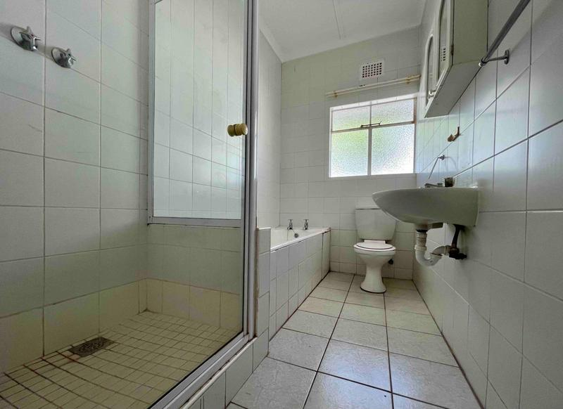 Property For Rent in Sea Point, Cape Town 22