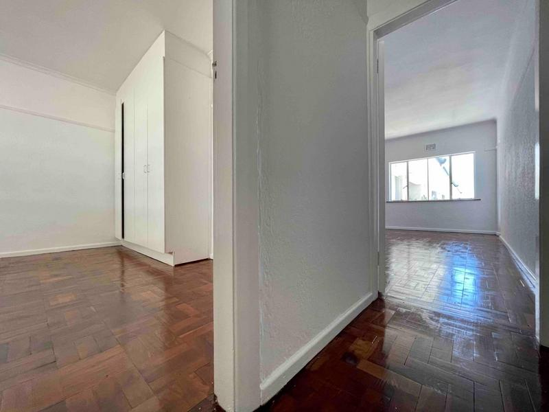 Property For Rent in Sea Point, Cape Town 24