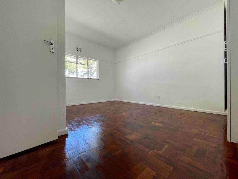 Property For Rent in Sea Point, Cape Town 26