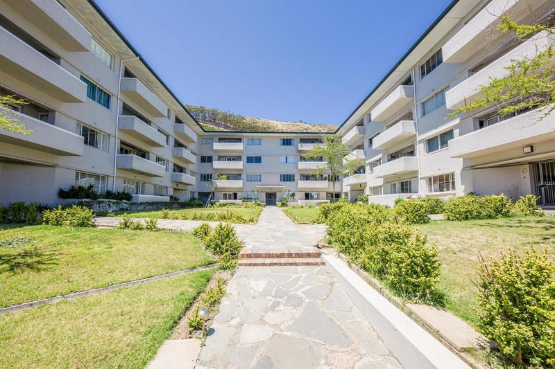 Property For Rent in Sea Point, Cape Town 37