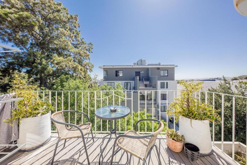 Property For Sale in Vredehoek, Cape Town 15