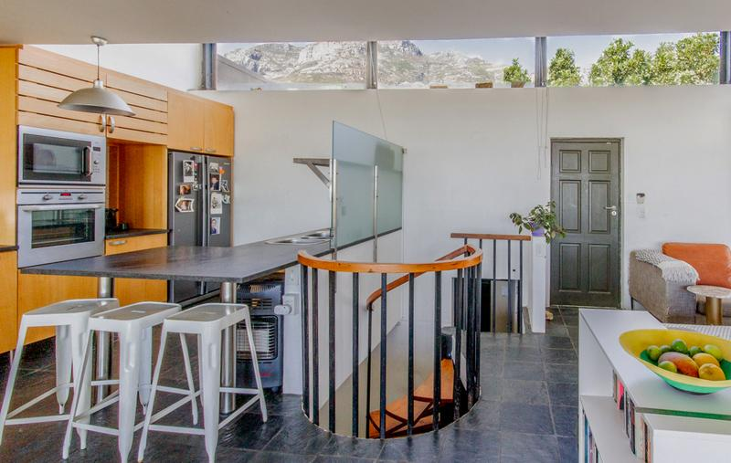 Property For Sale in Vredehoek, Cape Town 4