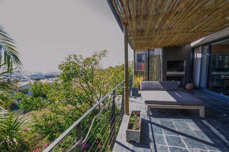 Property For Sale in Vredehoek, Cape Town 11