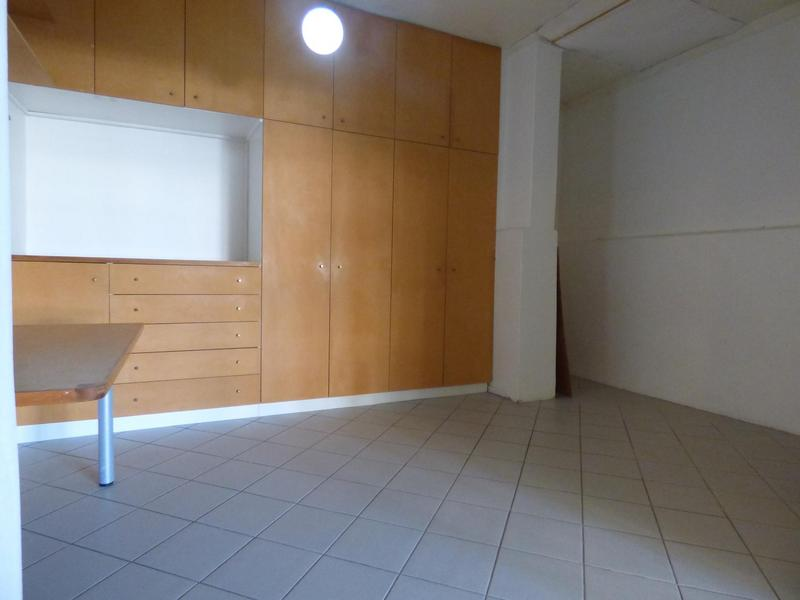 Property For Rent in Cape Town City Centre, Cape Town 11