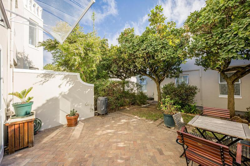 Townhouse For Sale in Vredehoek, Cape Town