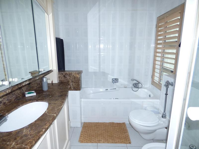 Property For Rent in Mouille Point, Cape Town 20