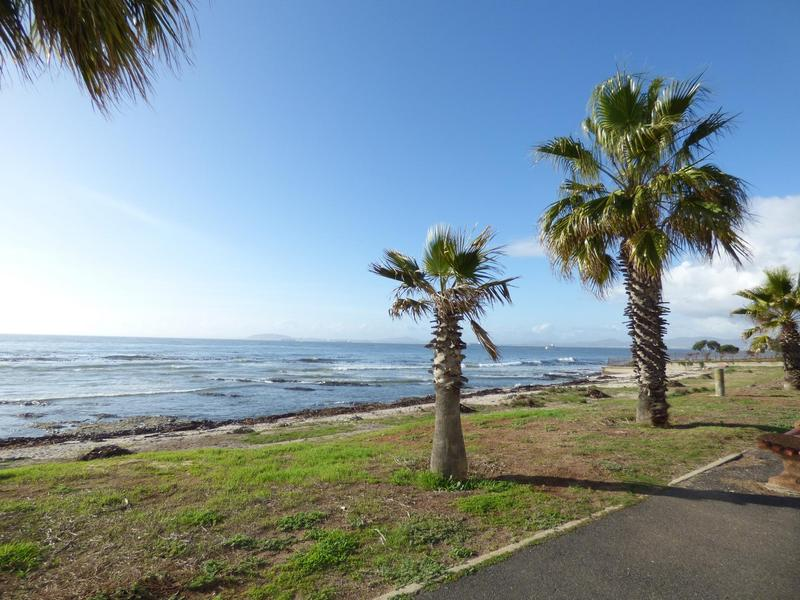 Property For Rent in Mouille Point, Cape Town 35