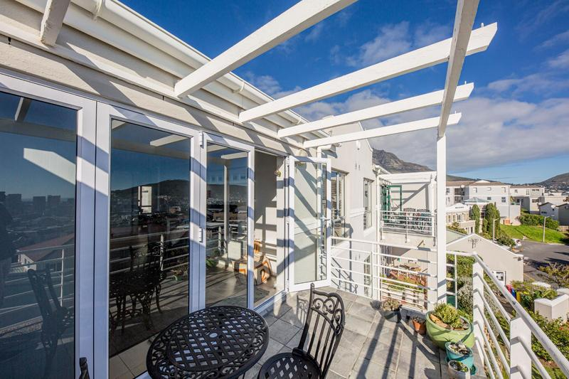 Property For Sale in Vredehoek, Cape Town 3