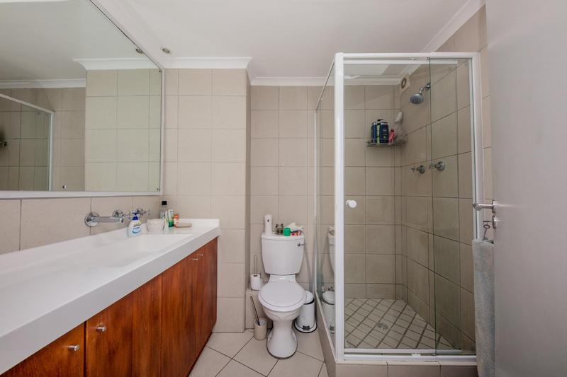Property For Sale in Vredehoek, Cape Town 12