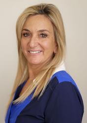 Linda Sandak-Lewin, estate agent